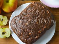 Пирог с яблоками и какао