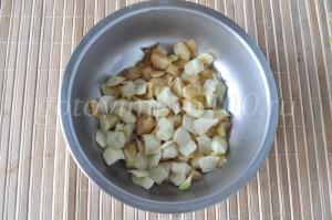 нарежем яблоки