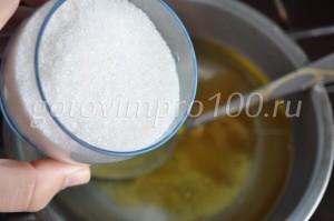 добавьте сахар