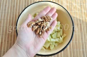добавьте орехи