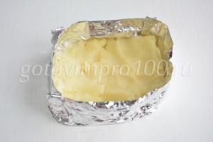выложите картофельное пюре