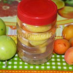 Абрикосовый компот с яблоками