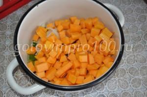 выложим овощи в кастрюлю