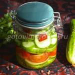 Слоеный салат на зиму (огурец, помидор, горький перец)