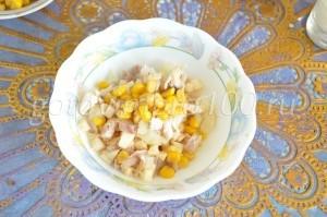 Выложите кукурузу