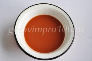 Вылейте томатный сок