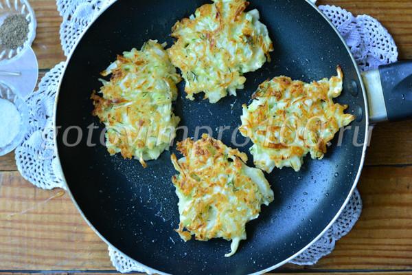 Котлеты из капусты с сыром-9